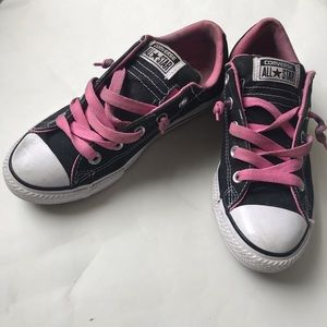 Converse All Star black with pink laces